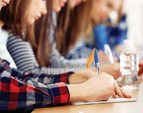 iskolas-ir-dolgozat-vizsga